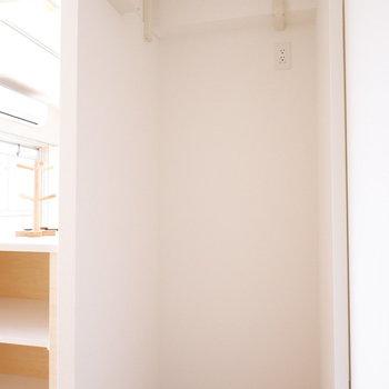 こちらの死角に冷蔵庫を配置。※写真は反転間取り別部屋のものです