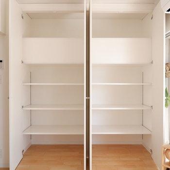 【LDK】可動棚になっていて使い勝手もGOOD!※家具はサンプルです