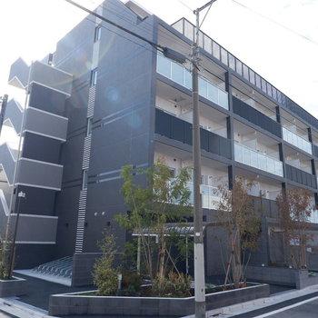 新築の建物です。
