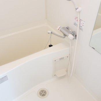 浴室もゆったりめ◎※写真は13階の同間取り別部屋のものです。