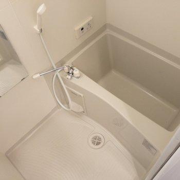 バスルームはお手入れしやすそう