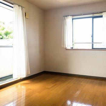 のどかな雰囲気のお部屋。※写真は2階の同間取り別部屋のものです