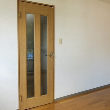 色合いが素朴でかわいい。※写真は2階の同間取り別部屋のものです