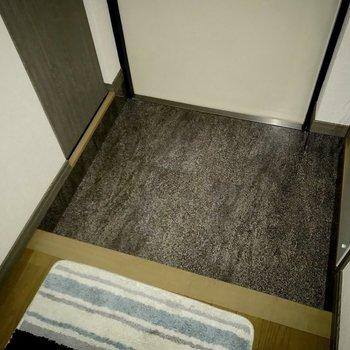 土間はフラットでお手入れラクラク♪(※フラッシュ撮影しています)※写真は5階の同間取り別部屋のものです
