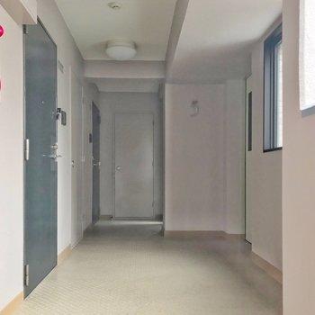 廊下もスッキリと。