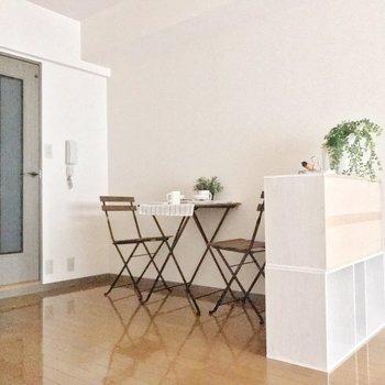 クローゼット横は食事用のスペースに使って♬※写真は5階の同間取り別部屋のものです