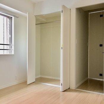 収納もしっかりと付いているのが嬉しいよね。※写真は2階の同間取り別部屋、モデルルームのものです