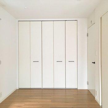 インテリアは色を統一したいです。※写真は2階の同間取り別部屋のものです