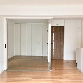 つるつるっとした上質な空間。※写真は2階の同間取り別部屋のものです