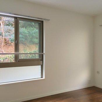 洋室すべてに窓付きです!※写真は2階の同間取り別部屋のものです