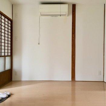 エアコンはダイニングに付いていますね。(※写真の小物は見本です)