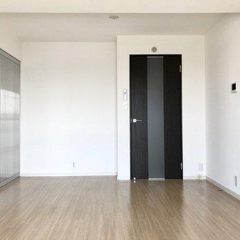 シンプルなデザインでレイアウトもしやすそうですよね。※写真は3階の同間取り別部屋のものです
