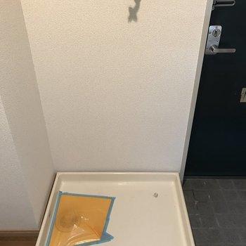 洗濯パンも室内に。※写真は2階の反転間取り別部屋のものです