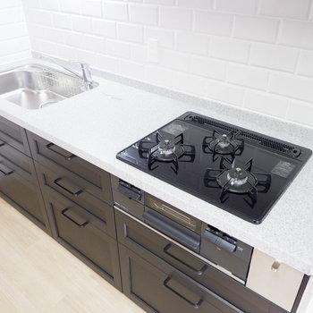 調理スペースも十分で一緒にキッチンに立つ時間も長くなりそう。