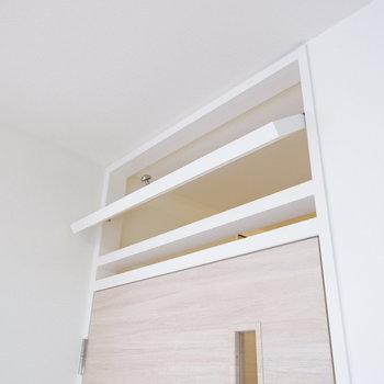 扉上には換気用の小窓も。「ただいま」の声もよく聞こえる。
