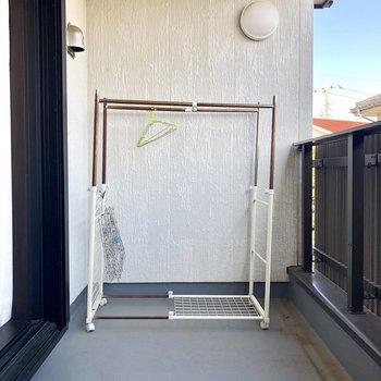 【2階共用部】2階のベランダ!洗濯物が干せます。