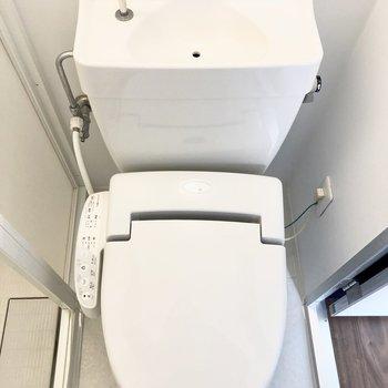 【専有部/102号室】トイレはウォッシュレット付き!