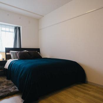洋室は寝室にしましょう。※写真は反転間取り別部屋のモデルルームです