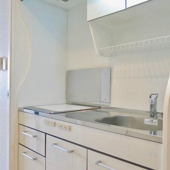 使い勝手の良いキッチン。※写真は9階の反転間取り別部屋のものです。