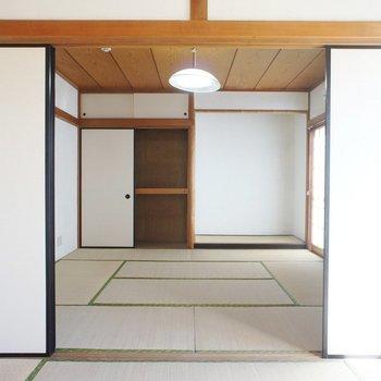 こんな感じで引き戸で二部屋に。※写真は前回募集時のものです