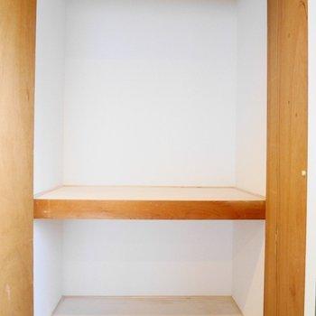 押入れサイズの収納※写真は別部屋です