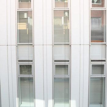 お部屋奥の窓の眺望