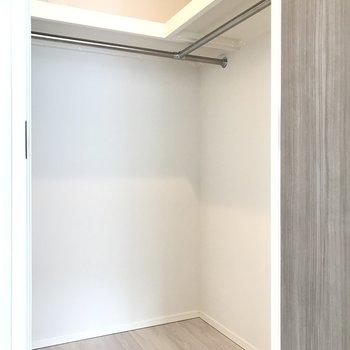 ウォークインクローゼット※写真は20階の同間取り別部屋・前回募集時のものです
