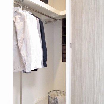 【寝室】ウォークインクローゼットになります。※写真の家具はサンプルです