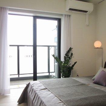 【寝室】風通しもgood※写真の家具はサンプルです