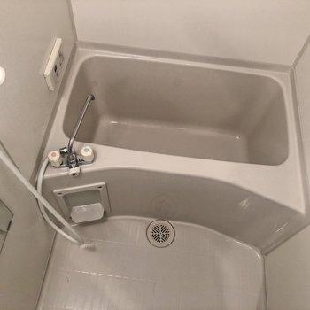 綺麗なお風呂ですね〜!!