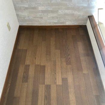 ロフトはこのくらいの幅。普段使わないものの物置きにすると良さそう◎※写真は別棟2階の同間取り別部屋のものです