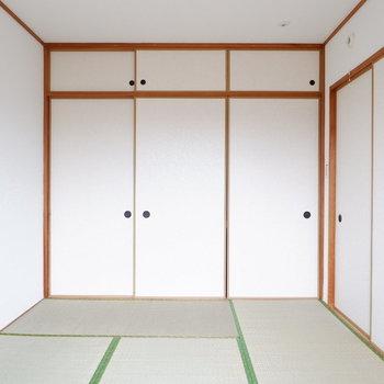 【和室】扉を閉めても圧迫感ありません。※写真は1階の同間取り別部屋のものです