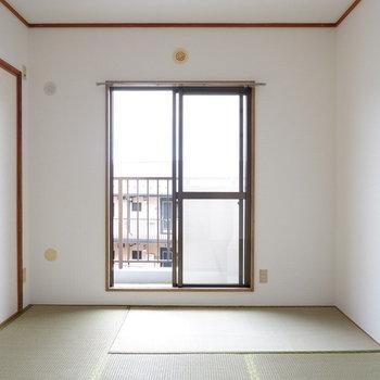 【和室】和室も清潔感ありますね!※写真は1階の同間取り別部屋のものです
