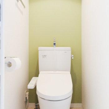 トイレ独立は嬉しい。※写真はクリーニング前のものです