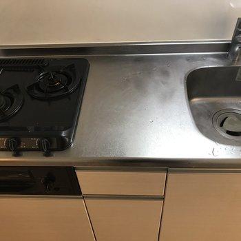 派手さはないけど、デキるキッチンです ※写真はクリーニング前のものです。