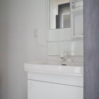 スマートな洗面台!