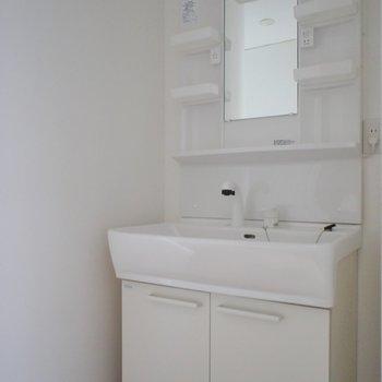 洗面台も大きめ★