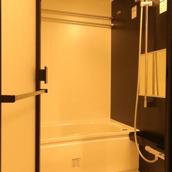 バスルームは浴室乾燥も付いてます。