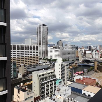 難波の街を一望できます※写真は同間取り別部屋のものです。