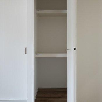 【DK】ドアの開閉を考えたインテリアの配置をしましょう。