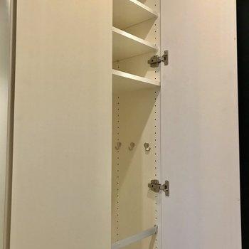 2つあるのでこちらも収納の分け方をあなたなりにこだわれます※写真は1階の反転間取り別部屋のものです