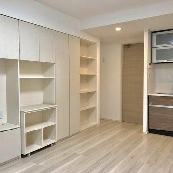 収納の使い方がスペースの有効活用に繋がります※写真は1階の反転間取り別部屋のものです