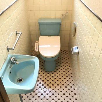 超レトロ!手洗い場がついているのって嬉しいな。