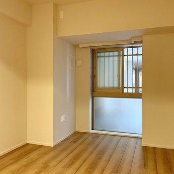 【6.5帖】布団を2枚敷いて、みんなでおやすみなさい。※写真は4階の同間取り別部屋のものです