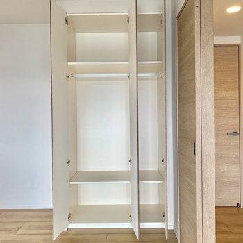 【4.5帖】収納はまずまずの容量。※写真は4階の同間取り別部屋のものです