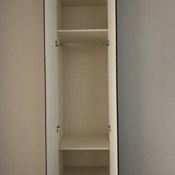 収納スペースもあります!※写真は2階の同間取り別部屋のものです