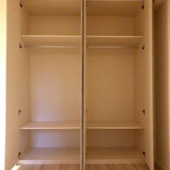 【洋室6.0帖】ここにもクローゼットがあります!※写真は1階同間取り別部屋のものです
