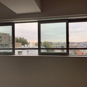 【LDK】7階なのでカーテンしなくても!?※写真は7階の同間取り別部屋のものです
