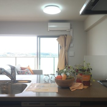 なんて開放的なキッチンなんだ〜!※写真は5階の反転似た間取りの別部屋のものです