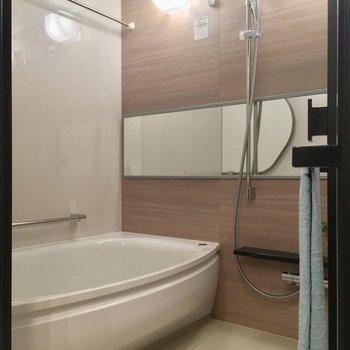バスルームも豪華です※写真は5階の反転似た間取りの別部屋のものです